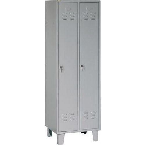 Svařovaná šatní skříň Walter na nohách, 2 oddíly, cylindrický zámek, šedá/šedá