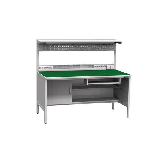 Svařovaný antistatický pracovní stůl, 141,2 x 160 x 81 cm