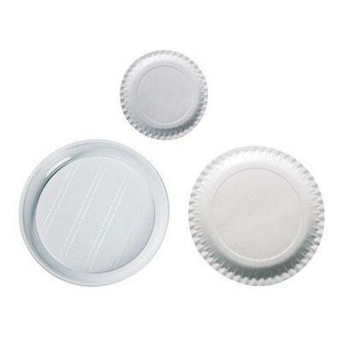 Bílé papírové a plastové talíře