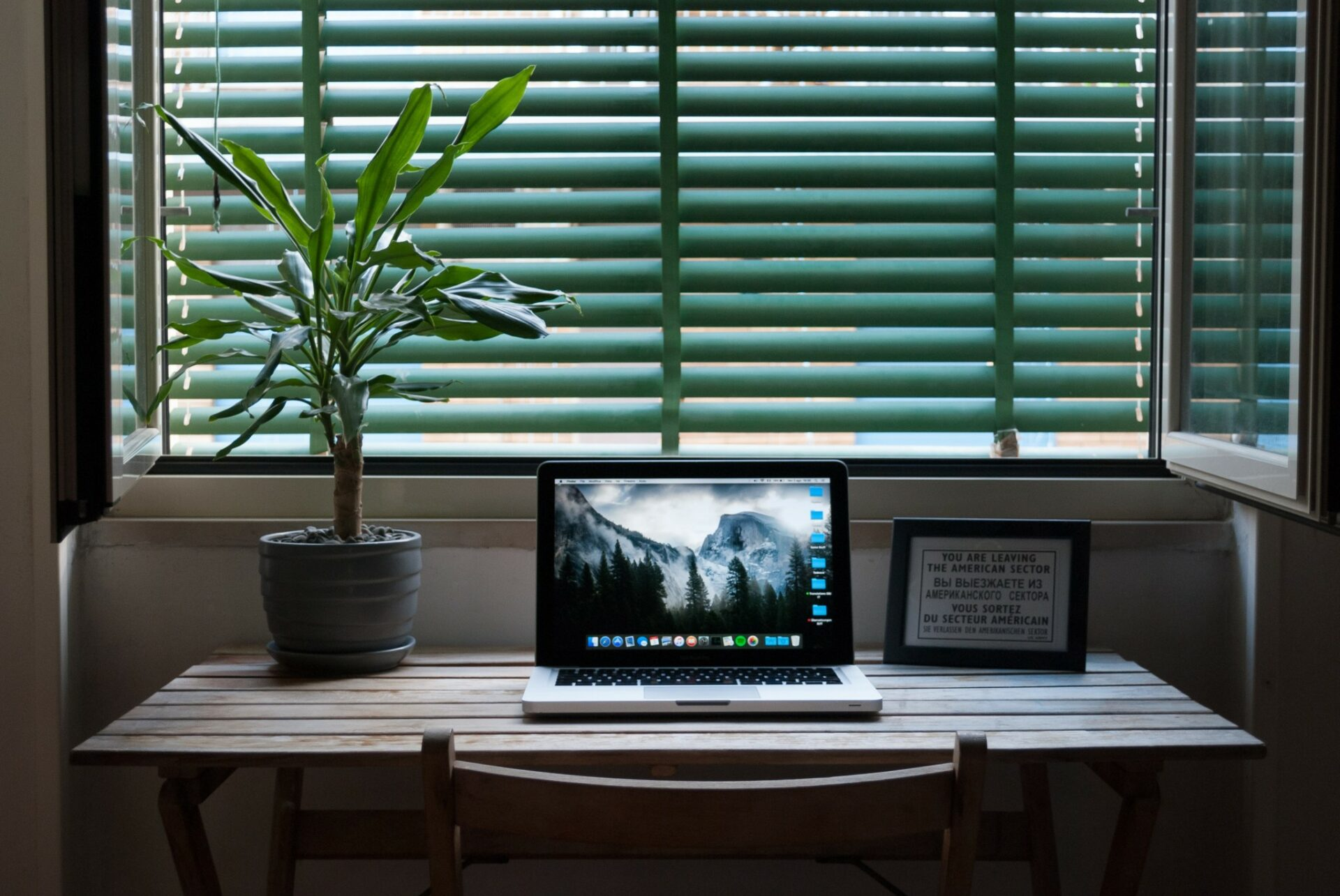 Psycholog aodborník na výživu radí, jak zvládnout dlouhodobý home office