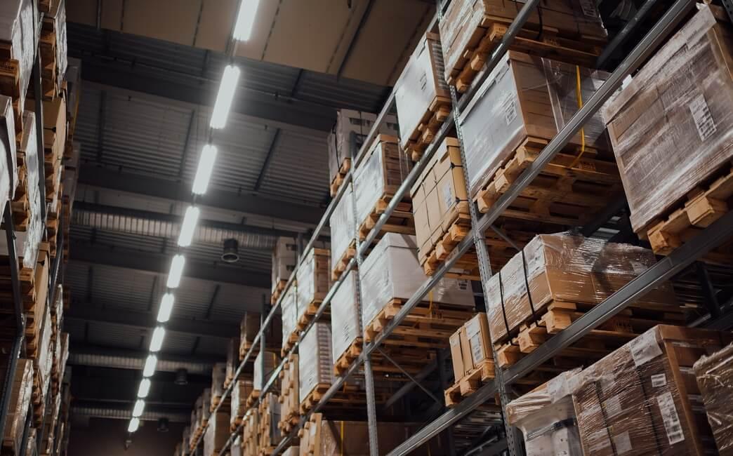 Správné označení regálů ve skladech zajistí bezpečnost zaměstnanců azrychlí práci