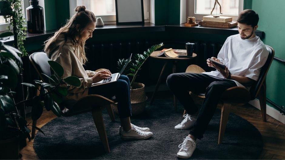 Relaxační zóna pro zaměstnance: Jak zařídit prostor pro aktivní ipasivní odpočinek